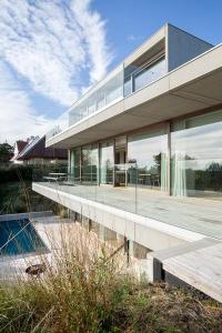 Villa V, une maison posée dans les dunes